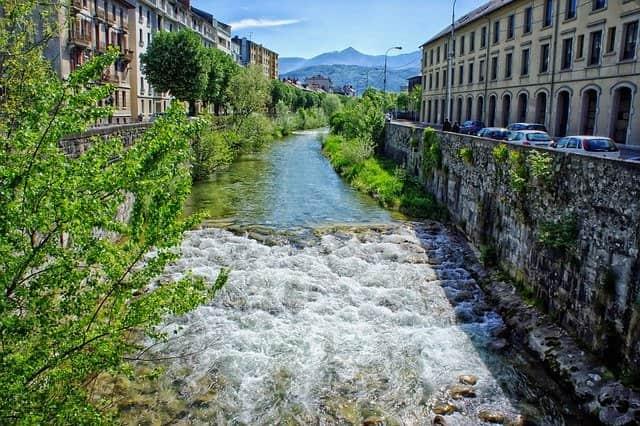Où vivre en Savoie ? Lac d'Aiguebelette, Chambéry